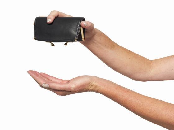 Предложение оставить должникам прожиточный минимум взволновало кредиторов