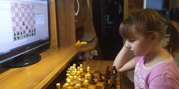 """""""Волховский Фронт"""" скрасил изоляцию юных шахматистов области"""