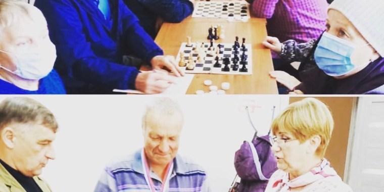 Ветераны приняли участие в соревнованиях по шахматам и шашкам