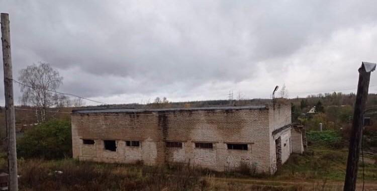 В Бережках продолжается капремонт спортивного зала