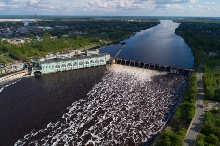 Массовое скопление леща возле Волховской ГЭС