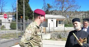 Vojnici nisu dozvolili parohu i predstavnicima Crkvene opštine da odaju poštu Stajiću