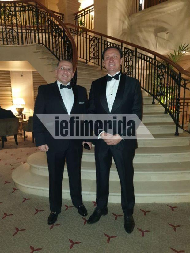 Ο δικηγόρος και πρόεδρος της Ελληνικής Κοινότητας Μελβούρνης Βασίλης Παπαστεργιάδης με τον Γιάννη Χορόζογλου