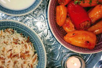 Gefüllte Paprika mit türkischen Butterreis