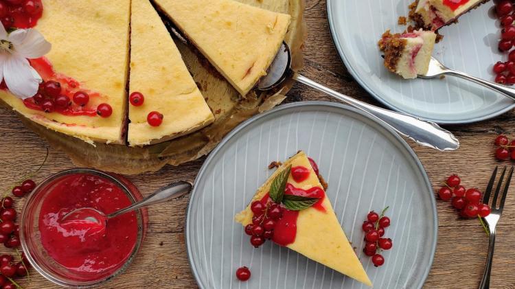 Limetten Johannisbeeren Cheesecake - Der fruchtige Käsekuchen