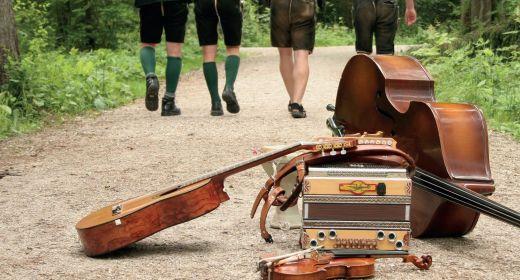 Musikalische Straßenbahnfahrt in Gmunden