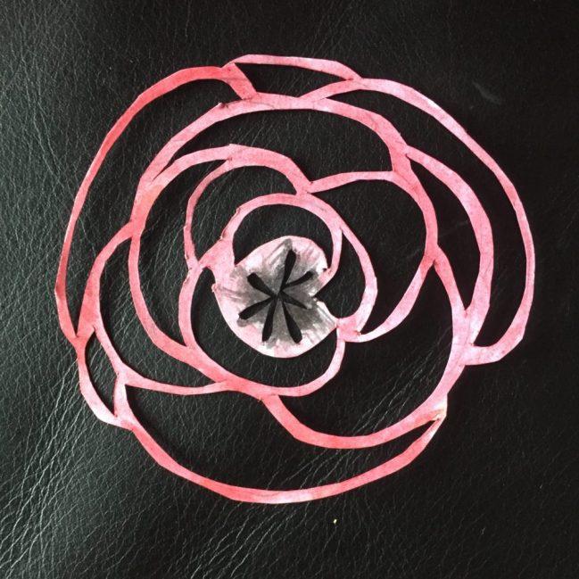 der erste Versuch eine Rose zu scherenschiitten