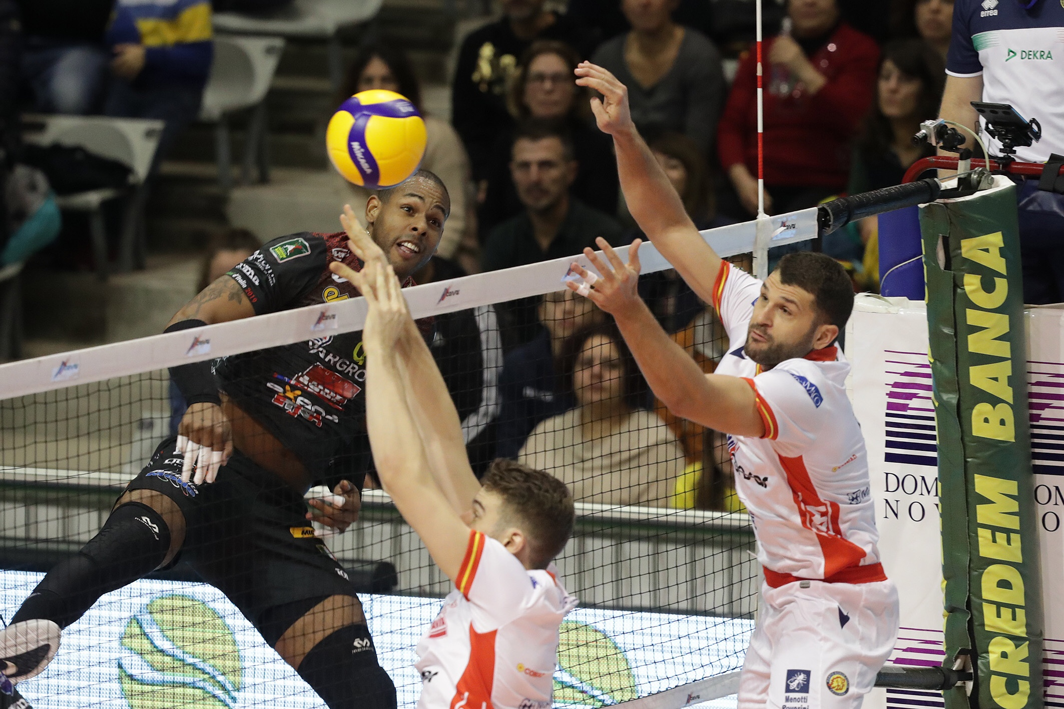 Italy: Lube win again, but Consar Ravenna take two sets