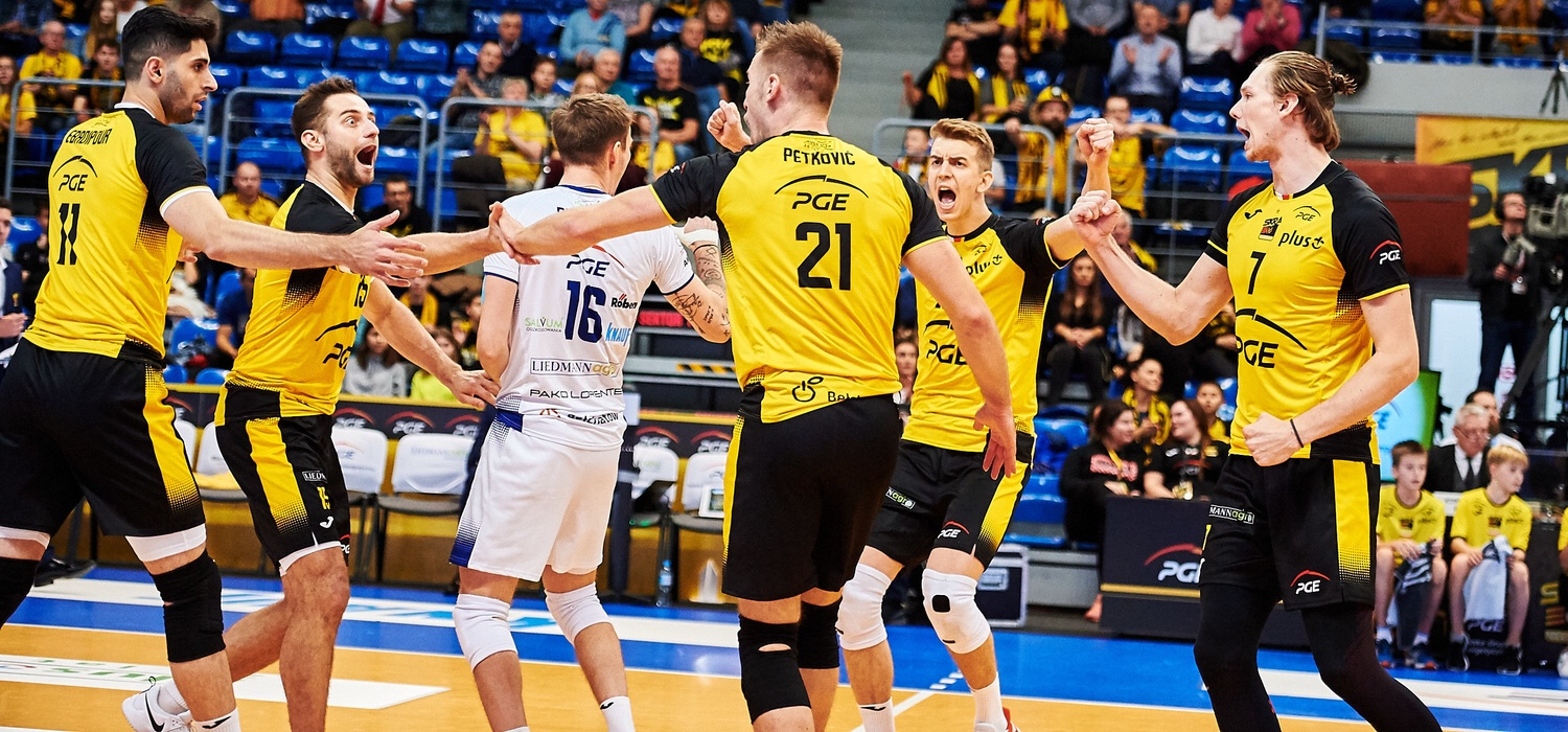 Poland: Skra Bełchatów sweep Asseco Resovia, Warszawa down ZAKSA in repeat of last season's play-off finals