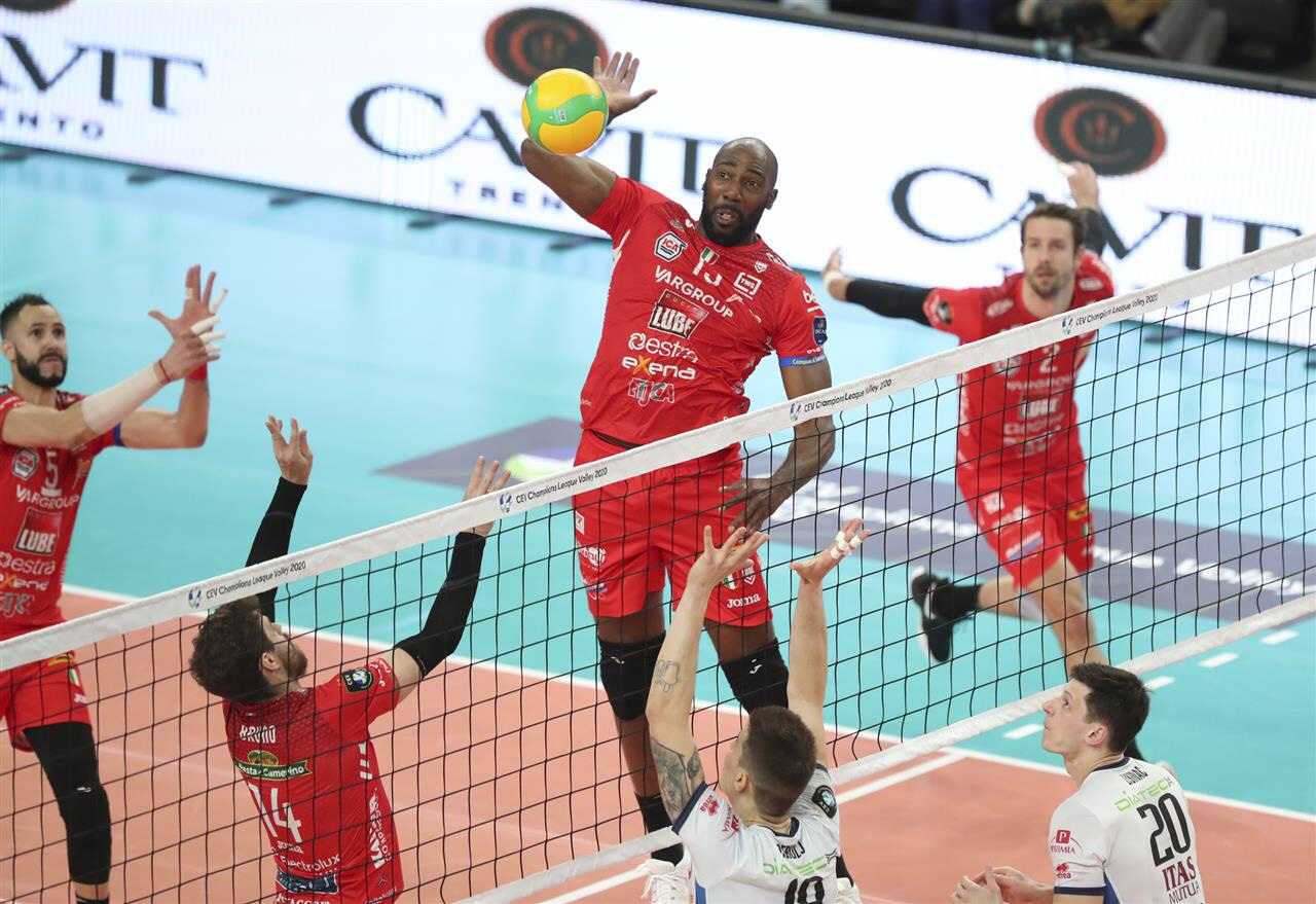 Champions League: With Simón's 7 aces, Lube secure quarterfinal spot by beating Trentino. Česke Budejovice destroys Fenerbahce, Perugia ok