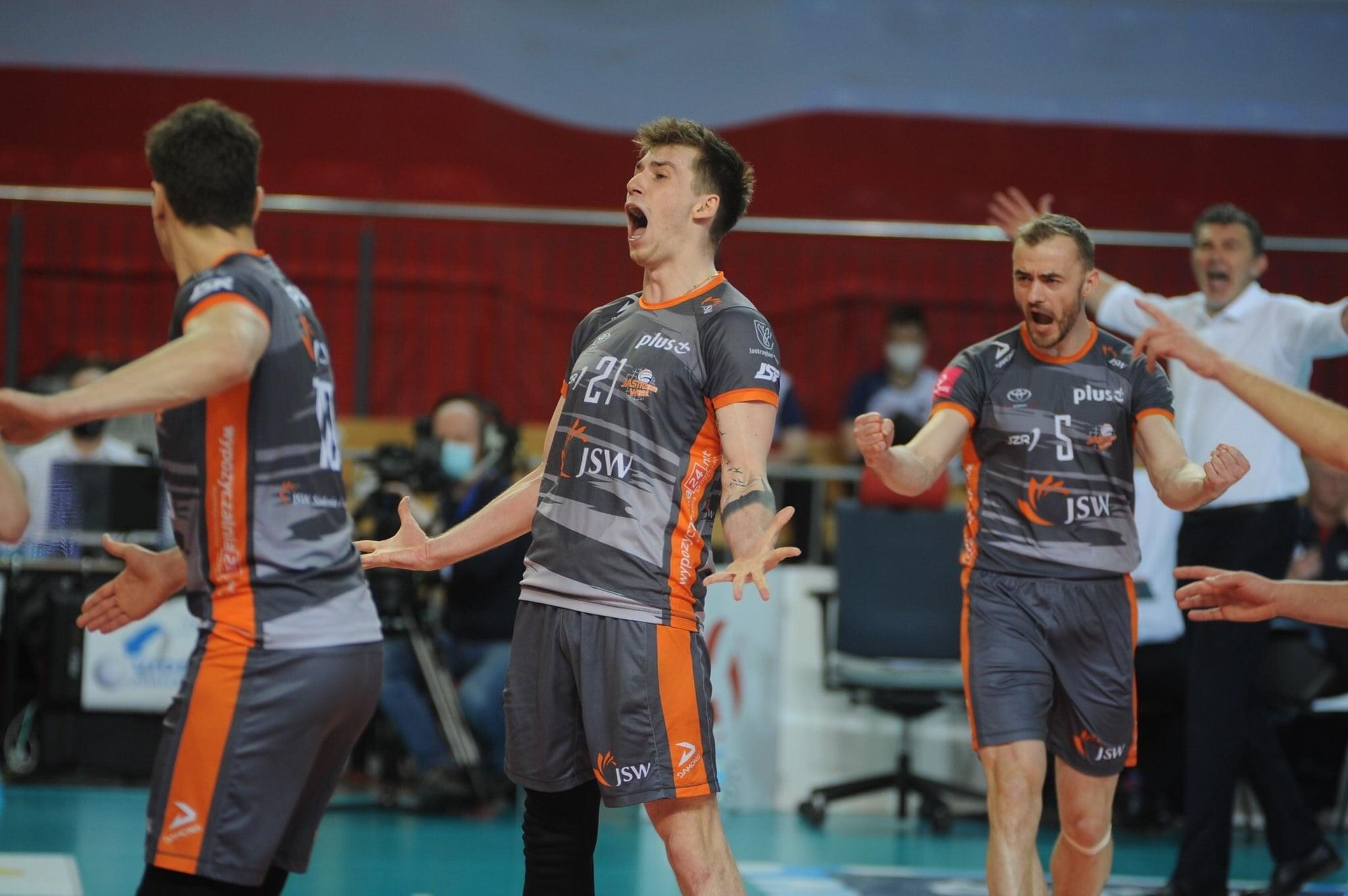 Poland: ZAKSA fall in Game 1 of finals – Jastrzębski celebrate! Warszawa win game 1 for 3rd place