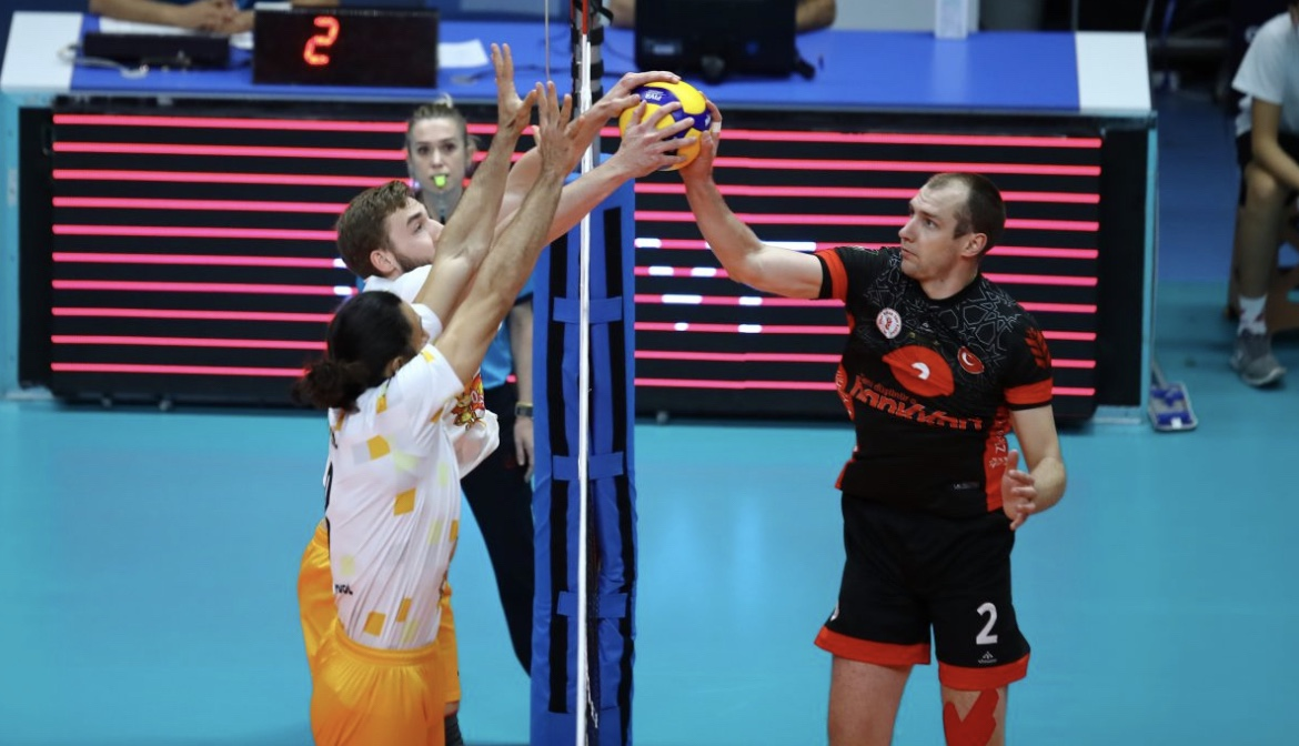 Turkey: Halkbank lose a point, first victory for Tokat and the others of Round 5