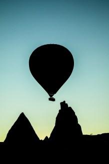 hot-air-balloon-1082203_1280