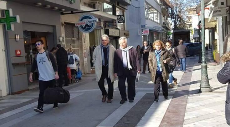 Όταν η βόλτα στην Ερμού είναι…οικογενειακή υπόθεση!!!