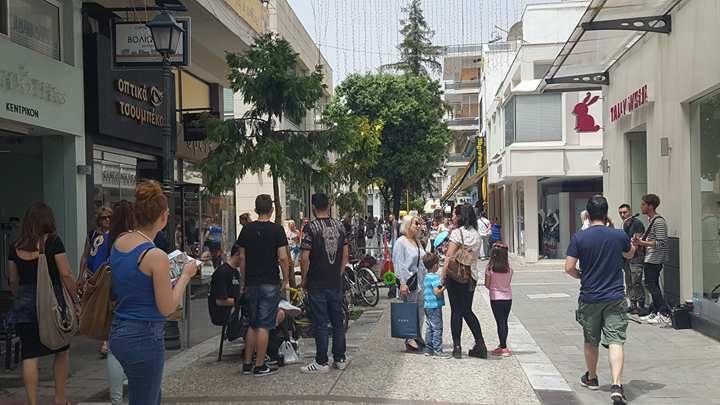 Σάββατο πρωί: Αυξημένη κίνηση στην Ερμού-Πως κινήθηκε η αγορά;