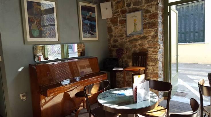 Filippou cafe: Από τη παραλία στην Ερμού! Υπέροχος χώρος! (ΦΩΤΟ)