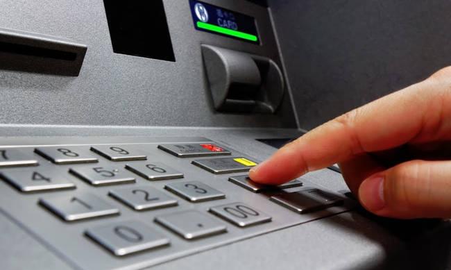 Capital controls: Νέα χαλάρωση- Πόσα χρήματα θα μπορούμε να τραβήξουμε