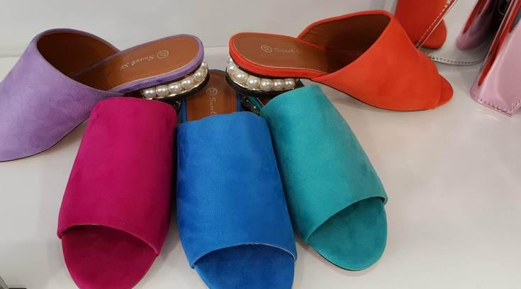 db2526f13a Η μόδα θέλει πέρλες στα παπούτσια! Δες που θα τα βρεις ...