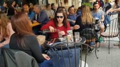 Eπιστολή φαντάρου: Πίνω καφέ στο Entra εδώ και μήνες, δε μ έδιωξε κανείς!