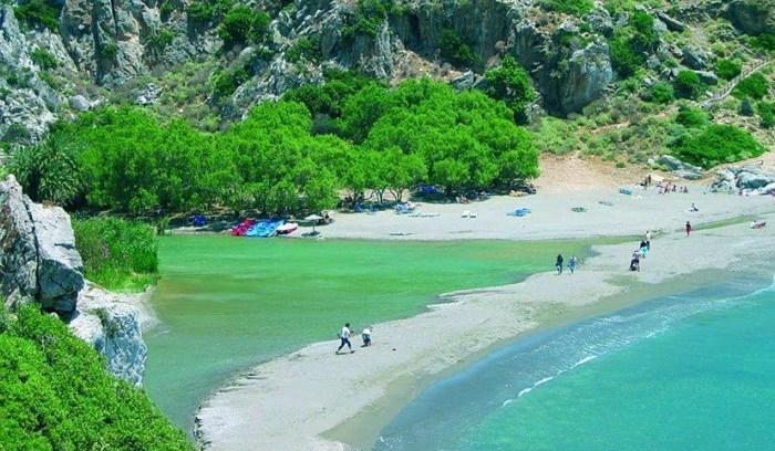 Η παράξενη παραλία της Ελλάδας που θυμίζει αφρικανική όαση