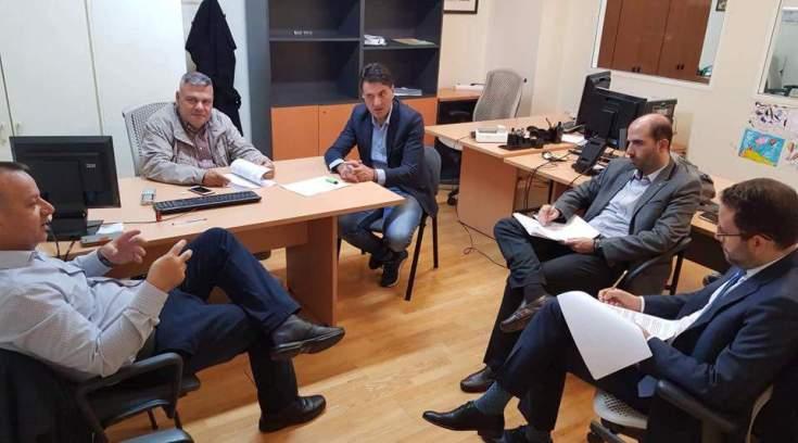 Συνάντηση Αγραφιώτη με τους εξωτερικούς φρουρούς των Φυλακών