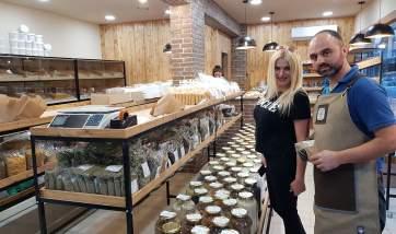 Πετύχαμε την Σοφία στο νέο εντυπωσιακό μαγαζί της πόλης!