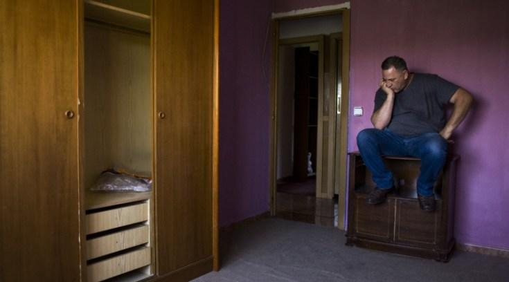 ΣΟΚ κάνουν έξωση σε Βολιώτη πατέρα για 1100 ευρώ!