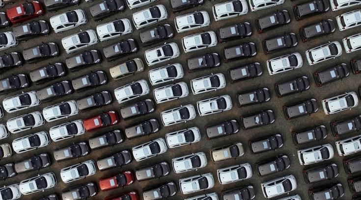 Σε ποια αυτοκίνητα πέφτουν οι τιμές – Τι γίνεται με τα τέλη κυκλοφορίας