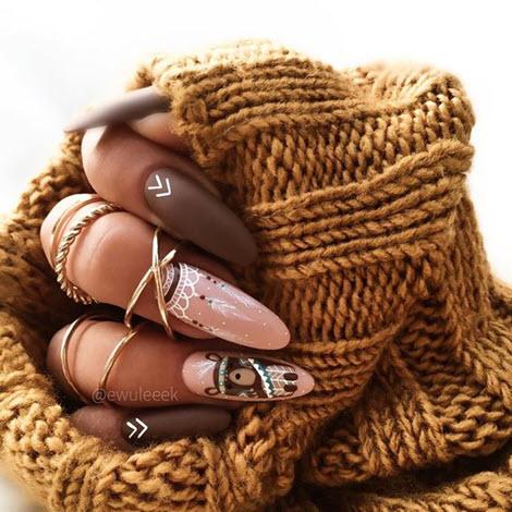 Gyönyörű és divatos manikűr