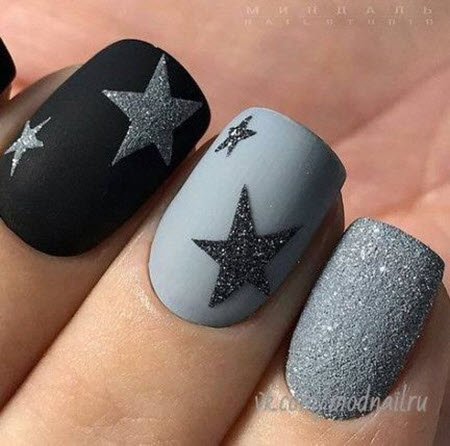 Gray manicure with drawing