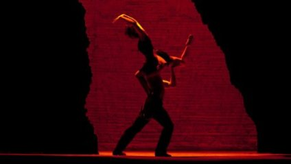 Carmen dansa