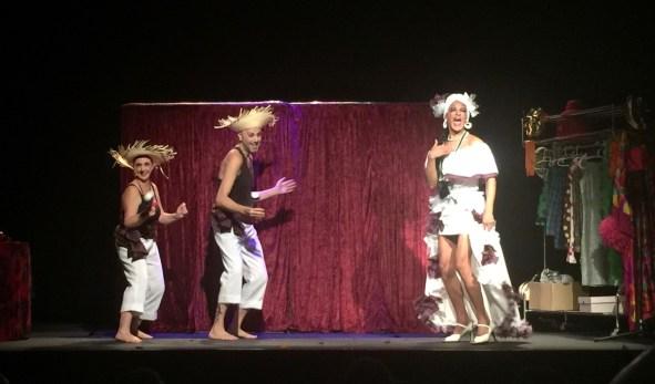 de-la-miss-a-la-mitad-almeria-teatre-voltar-i-voltar-1