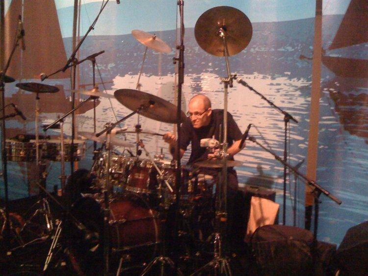 Von Baron plays a huge drumset!