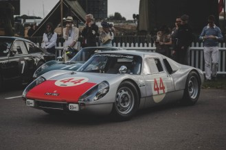 Single wiper, but twin arms on this 1964 Porsche 904 Carrera GTS, Goodwood Revival.