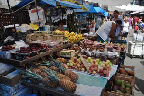 Fruit-Market-in-Rocinha-Favela