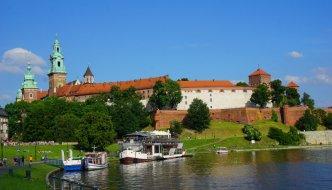 Hoch über Krakau liegt die Burganlage Wawel