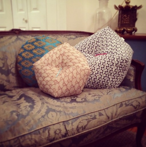 Ojamis sur canapé