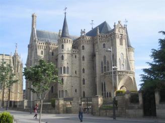 Caminhos de Santiago - Palacio Episcopal de Gaudi em Astorga (foto do blog A Knock on the Head)