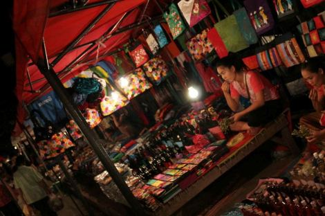 Night Market - O mercado noturno de Luang Prabang no Laos (foto do blog Vontade de Viajar)