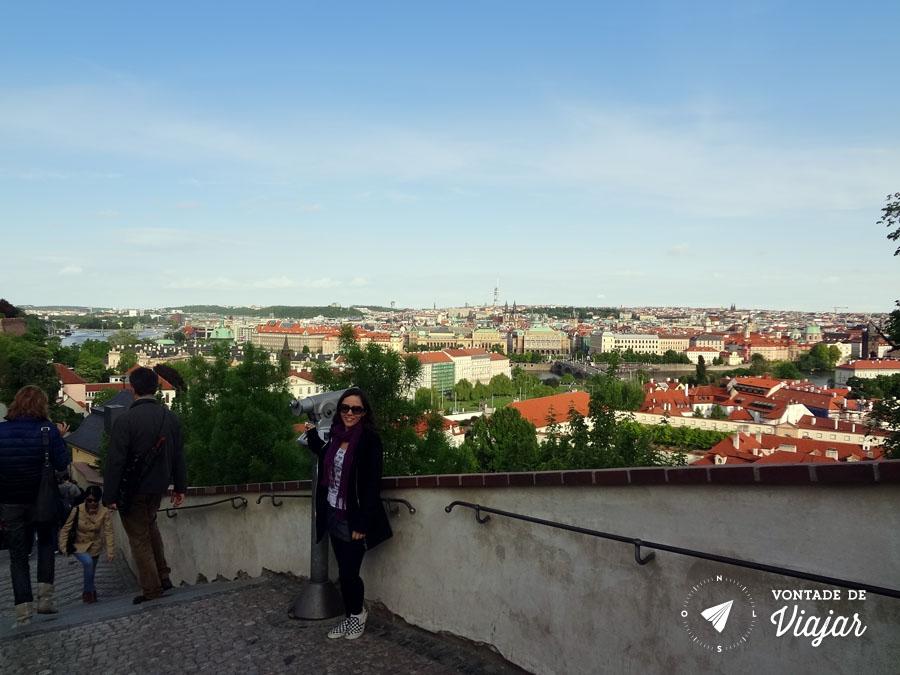 castelo-de-praga-vista-da-escadaria-antiga-do-castelo