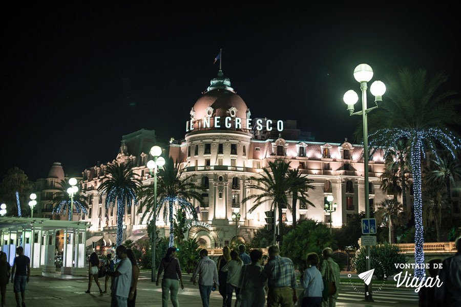 nice-hotel-negresco-iluminado-a-noite