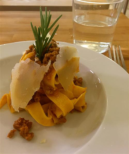 Aula-de-culinaria-italiana-em-Bolonha-O-verdadeiro-macarrao-a-bolonhesa
