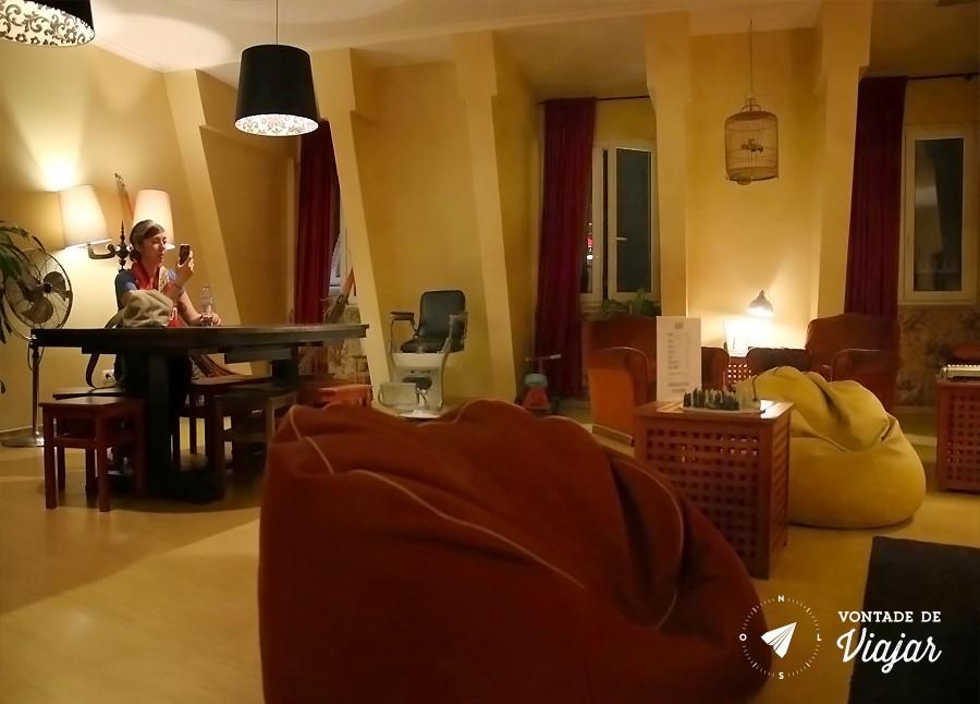Onde ficar em Lisboa - Lounge no hostel em Lisboa