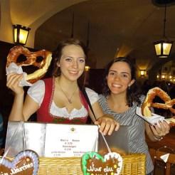 Festivais de primavera na Alemanha - Pretzel no Hofbrauhaus