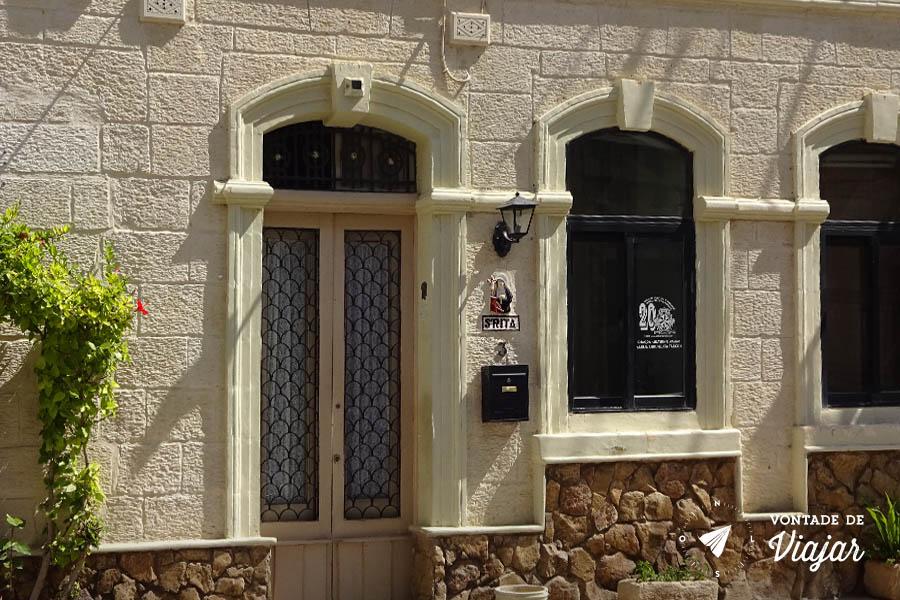 arquitetura-de-malta-casa-em-malta-com-imagem-de-santos