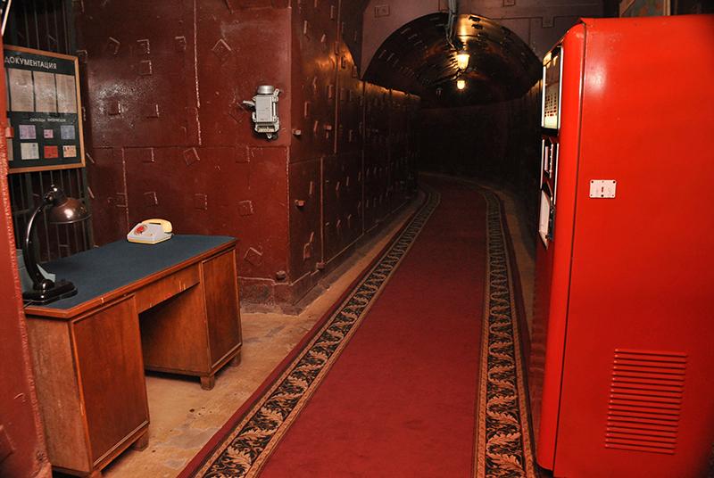 Bunker 42 Moscou - Escritorio e maquina de soda