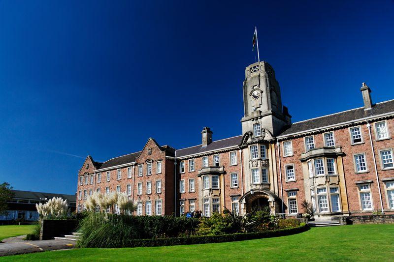 Moordale Escola Sex Education Netflix - University of South Wales Caerleon Campus