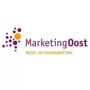 logo marketingoost