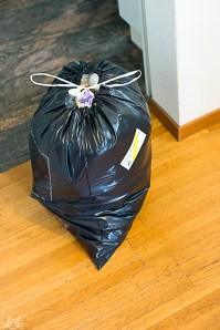oh nein, der Müll sollte auch noch raus, solange es schläft