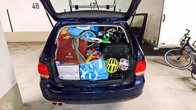keine Ahnung, wir packen für eine Woche immer soviel wie andere für 3 Monate Expedition